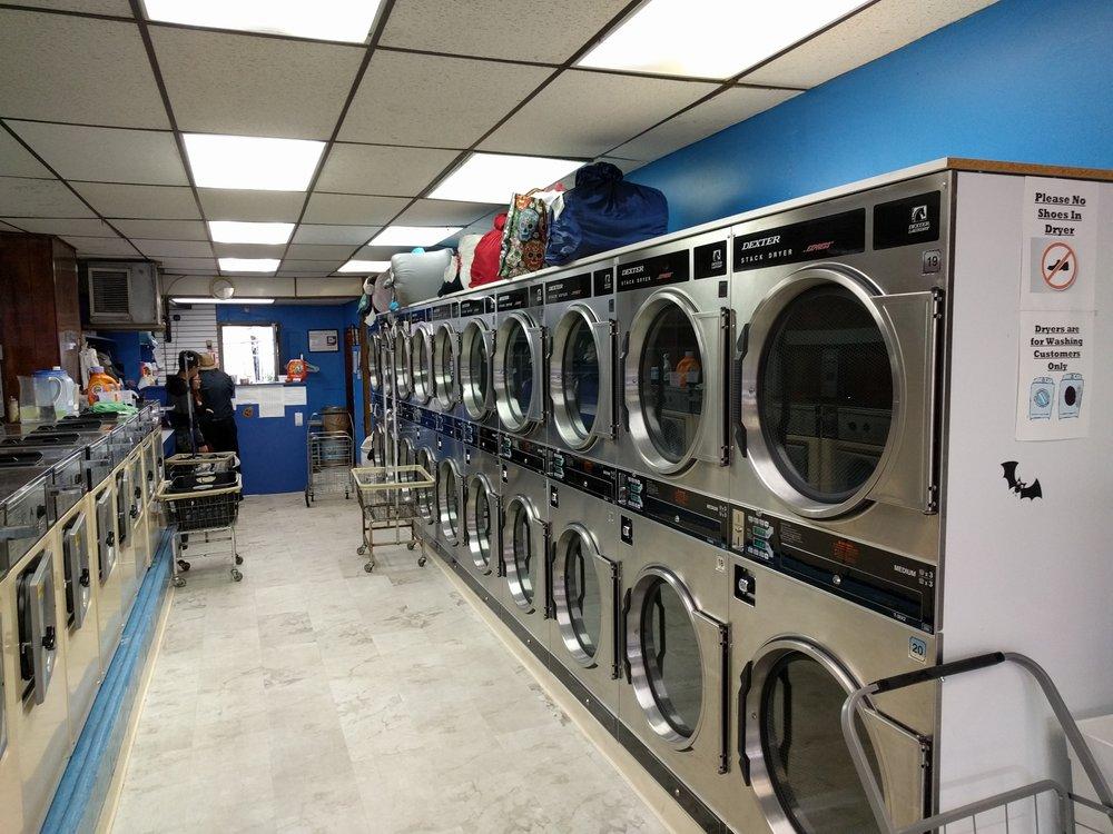 Chow's Laundromat: 4230 Bell Blvd, Bayside, NY