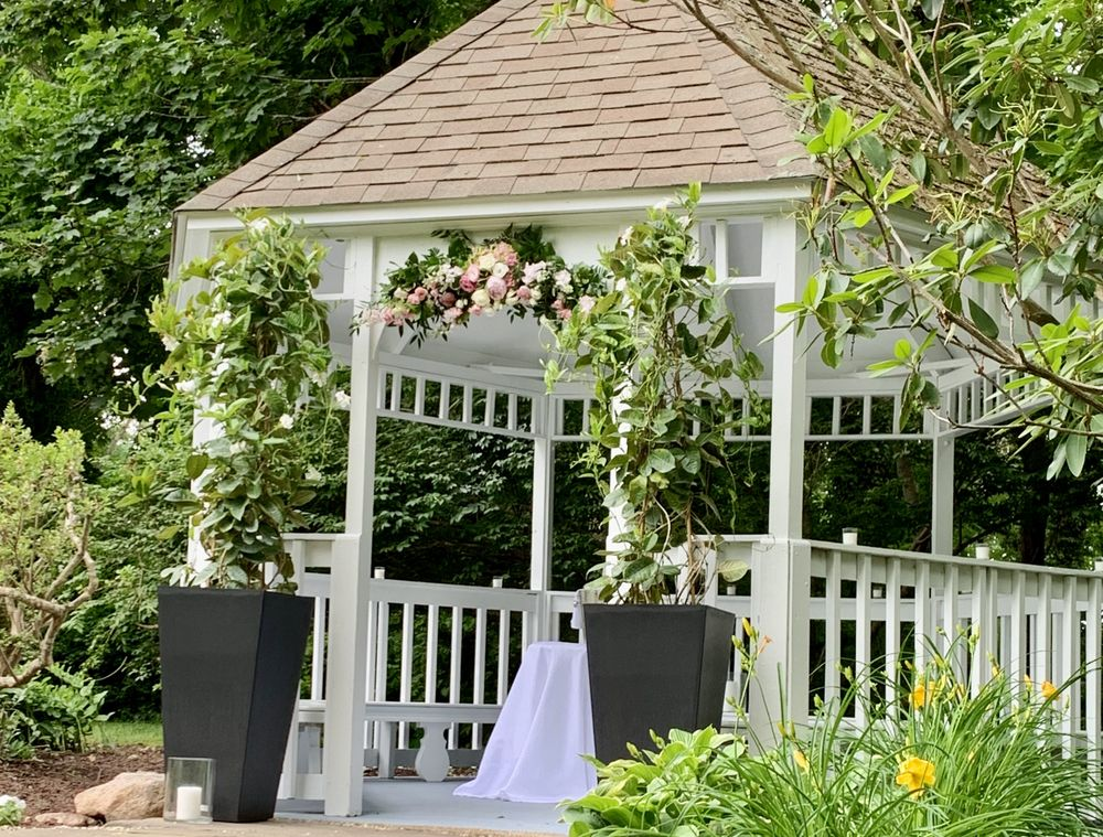 Ashley Manor: 3660 Main St, Barnstable, MA
