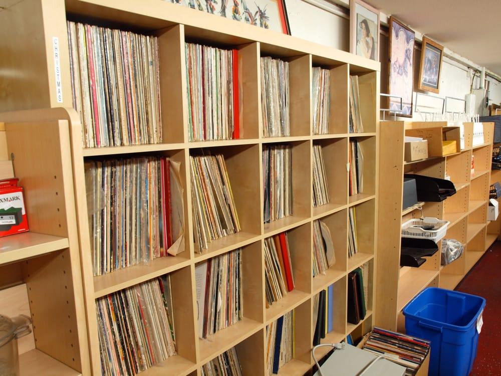 Treasure Hunt Thrift Store 45 Photos Amp 34 Reviews