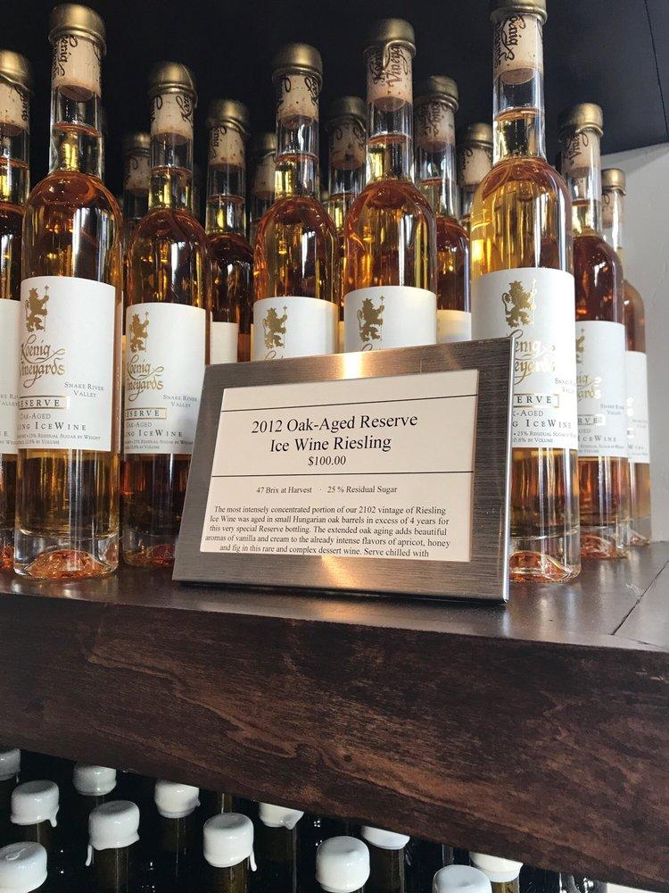 Social Spots from Koenig Vineyards