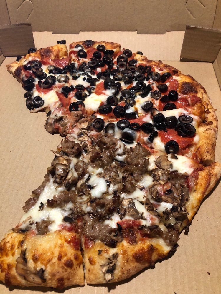 The Pizza Place: 3942 Sierra Hwy, Acton, CA