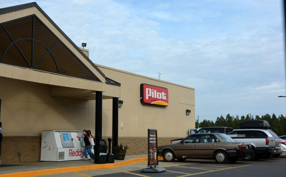 Pilot Travel Center: 801 NC Hwy 211 E, Candor, NC
