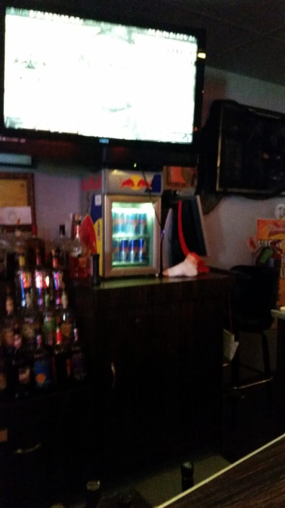 Spirits Lounge: 390 S 11th Ave, Hanford, CA