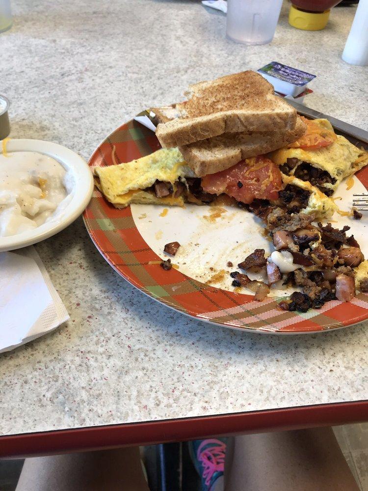 Corner Cafe: 525 Main St, Hope, IN