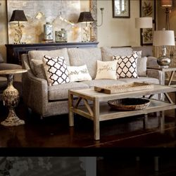 Etonnant Photo Of Nest Decor   Nashville, TN, United States. Pillows   Lamps