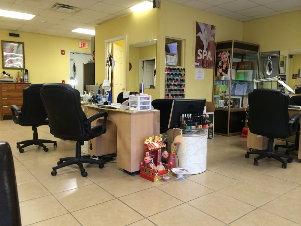 Morgan's Nails: 1725 College St, Beaumont, TX