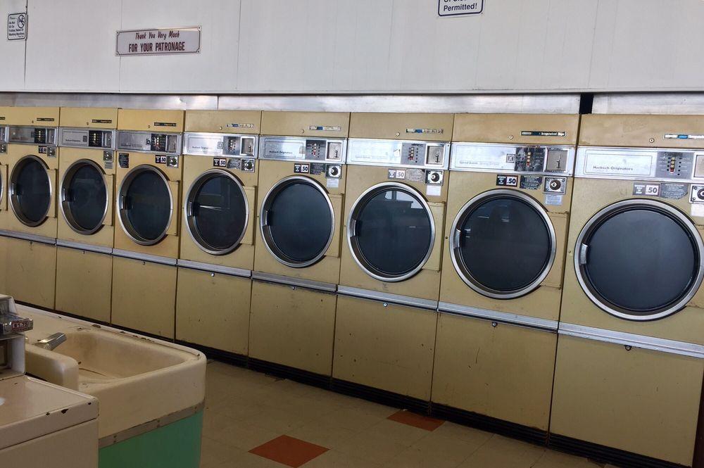 Blythe Laundry & Cleaners: 170 S 3rd St, Blythe, CA