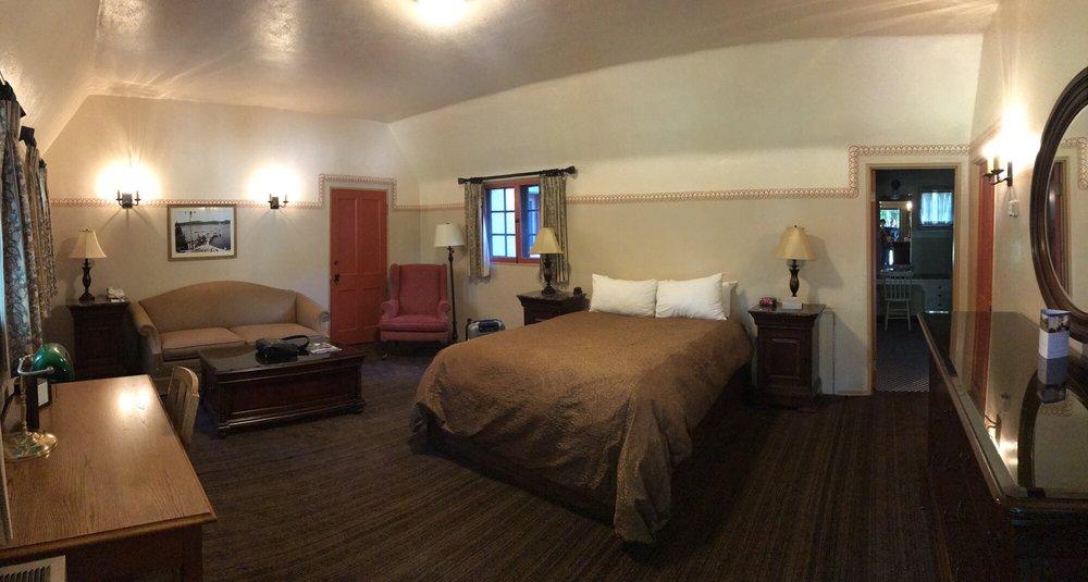 UCLA Lake Arrowhead Lodge: 850 Willow Creek Rd, Lake Arrowhead, CA