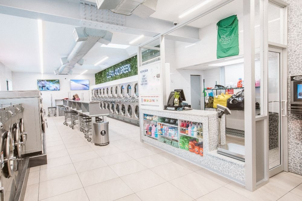 Aquarelo Laundromat Center: 8201 Northern Blvd, Jackson Heights, NY