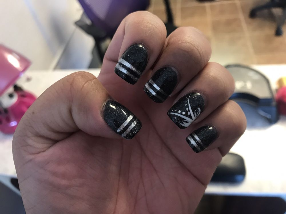 Vip Nails: 419 N 7th St, Perry, OK