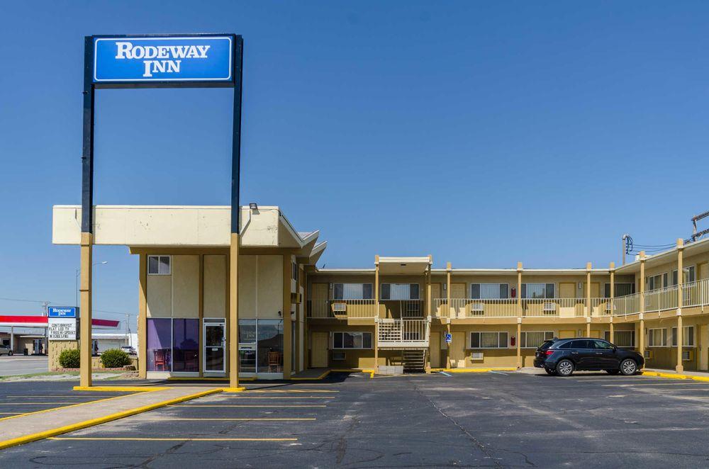 Rodeway Inn: 2200 W Wyatt Earp Blvd, Dodge City, KS