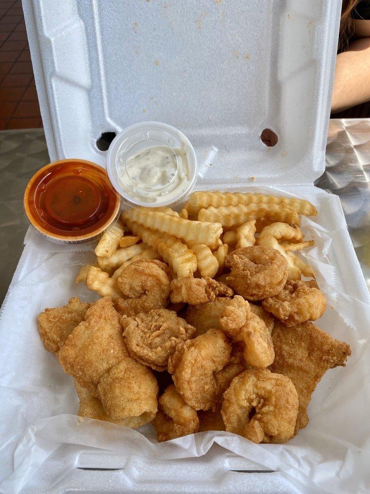 Garden City Seafood: 4624 Augusta Rd, Garden City, GA