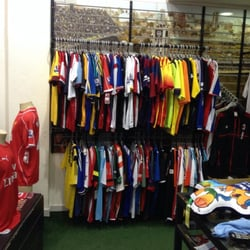Camisa Futebol Clube - Artigos Esportivos - Rua Comendador Araújo ... c21ec0b090129