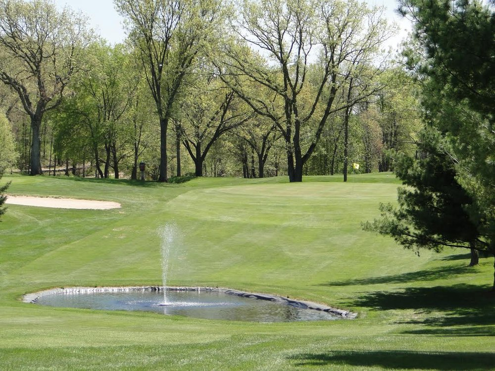 Fairfield Hills Golf Course: S3308 Fox Hill Rd, Baraboo, WI