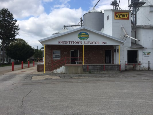 Knightstown Elevator 4 W Grant St In Landscaping