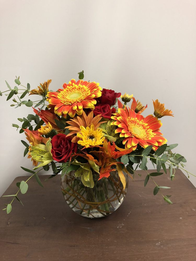 Allen's Flowers: 401 S Providence Rd, Columbia, MO