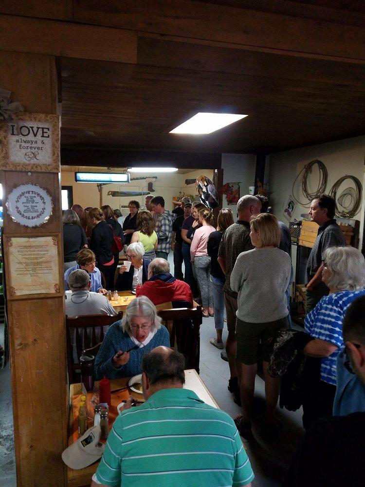 Ola's Farmhouse Café: 22001 Sweet Ola Hwy, Ola, ID