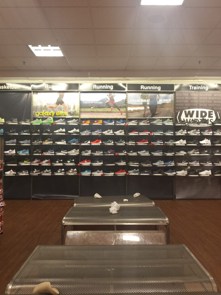 Modell's Sporting Goods: 300 W 125th St, New York, NY
