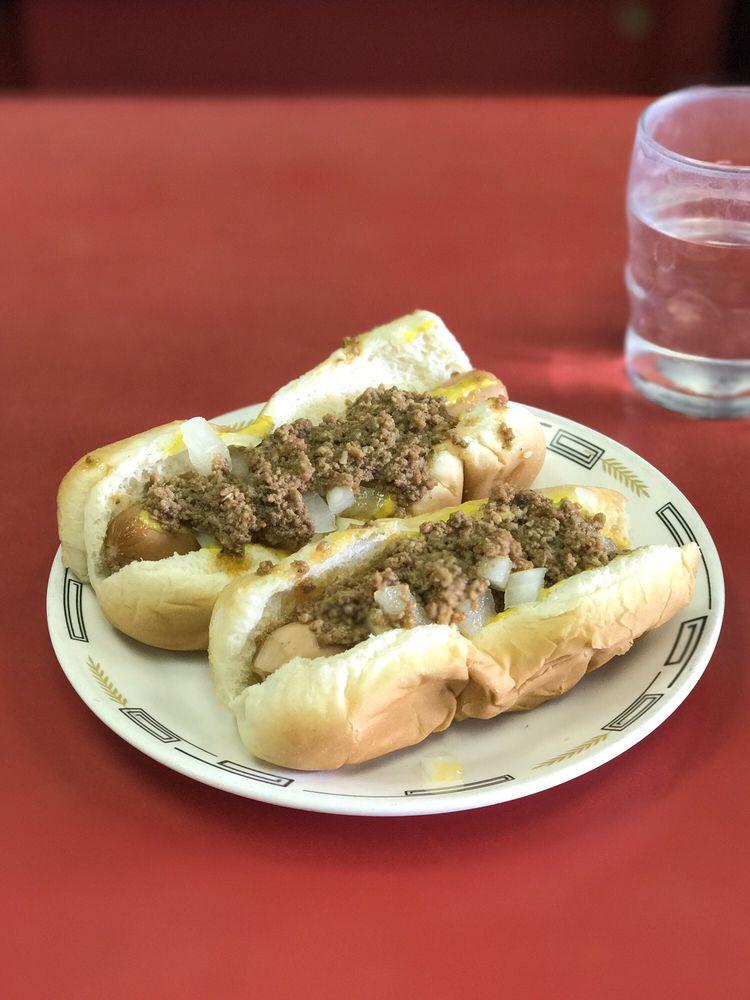 Coney Island Lunch Room: 104 E 3rd St, Grand Island, NE