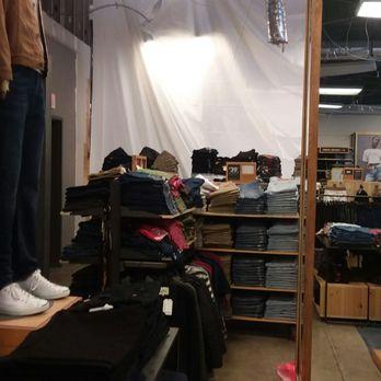 cf11eab069e Levi s Outlet Store - 25 Photos   65 Reviews - Men s Clothing - 20 ...
