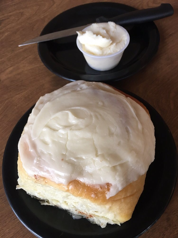 Damron's PL Catering Cafe & Bakery: 206 N Tremont St, Kewanee, IL