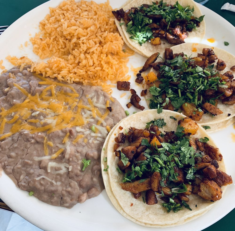 El Aguila Real: 406 N G St, Lakeview, OR