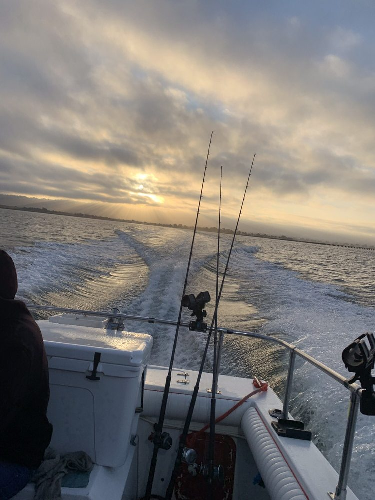 Hook'd Up Sportfishing: 105 Raintree Ct, Vallejo, CA