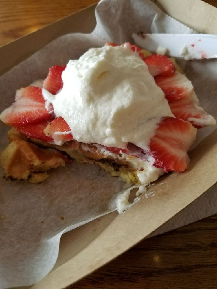 Wally's Waffles: 5741 S Oak Park Ave, Chicago, IL