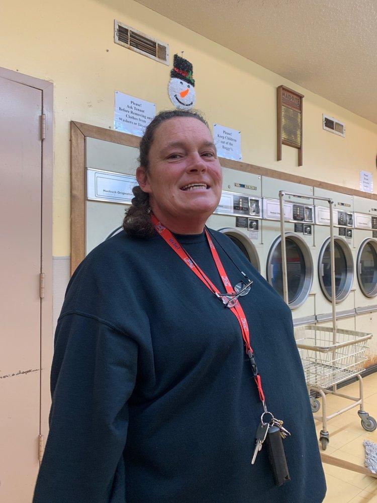 Coin Laundry: S Main St, Ellijay, GA