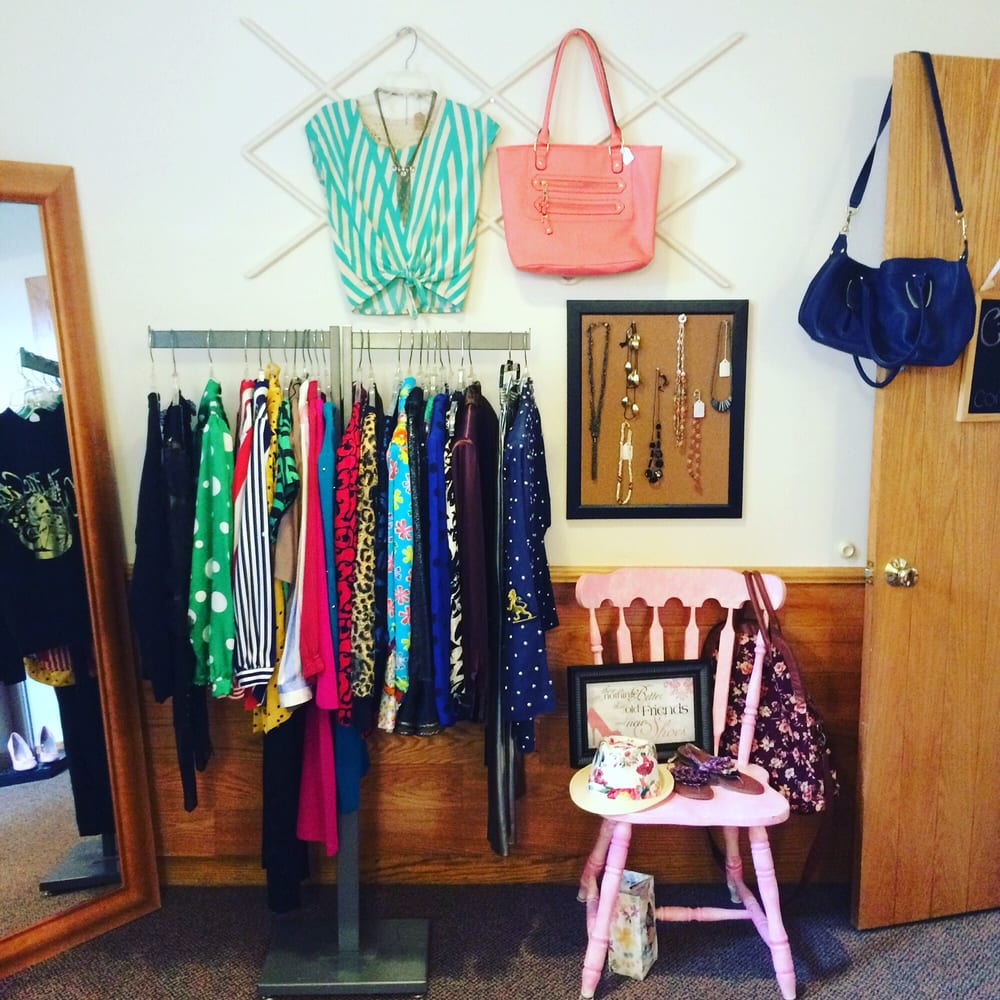 Cru Boutique Studio: 132 S Broad St, Canfield, OH