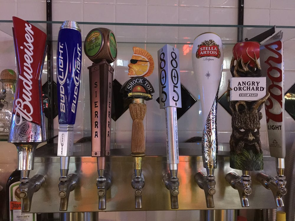 Gattaca Bar & Grill: 2021 Baldwin Ave, Oroville, CA