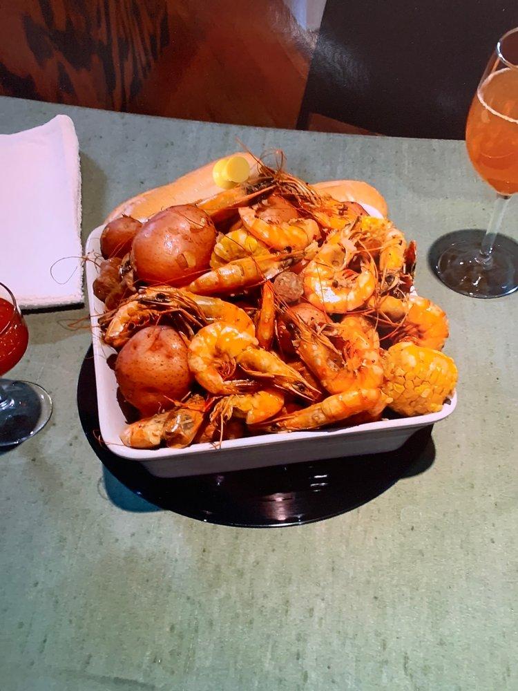 Chef Fredericks Creole Cuisine: 5304 20th Ave, Valley, AL