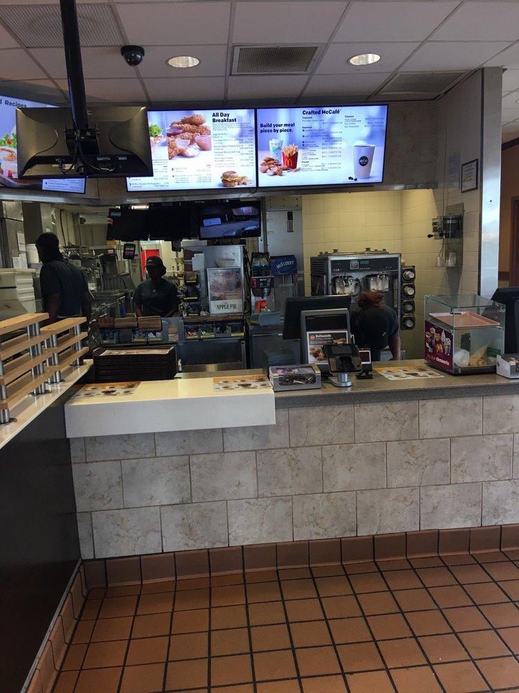 McDonald's: 7535 Highway 165, Columbia, LA
