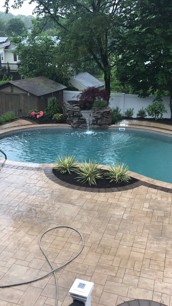 Steve Botto Landscaping: 197 Rt 9W N, Congers, NY