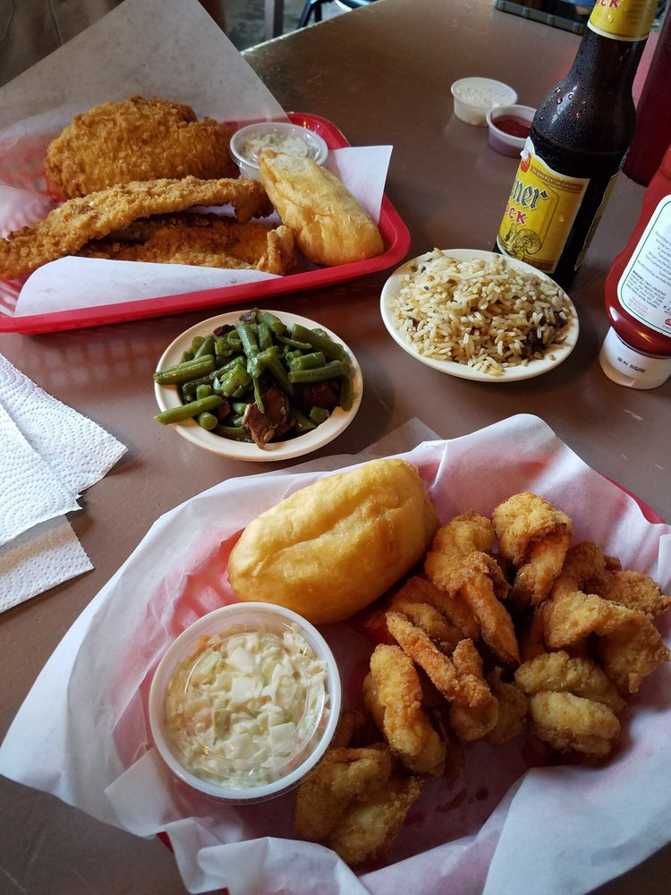 Joe Lee's Seafood Kitchen: 1108 Marina Bay Dr, Kemah, TX