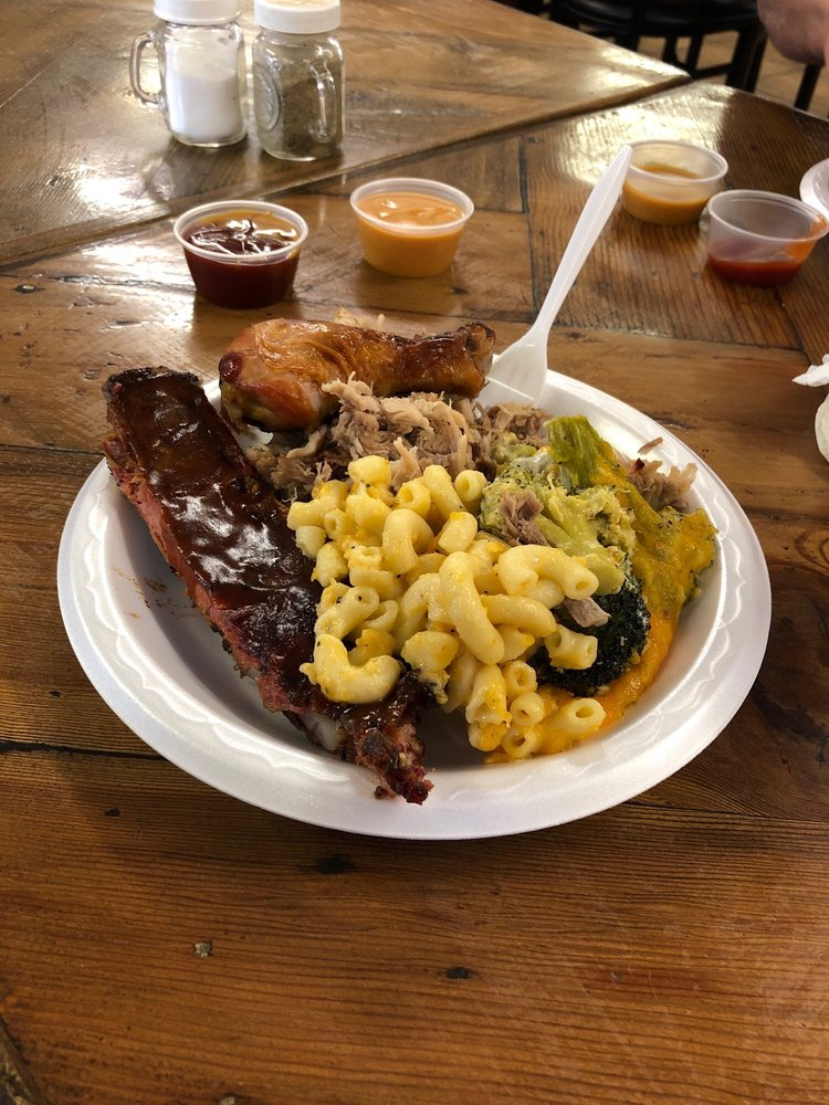 Duke's Bar-B-Que: 4248 Whiskey Rd, Aiken, SC