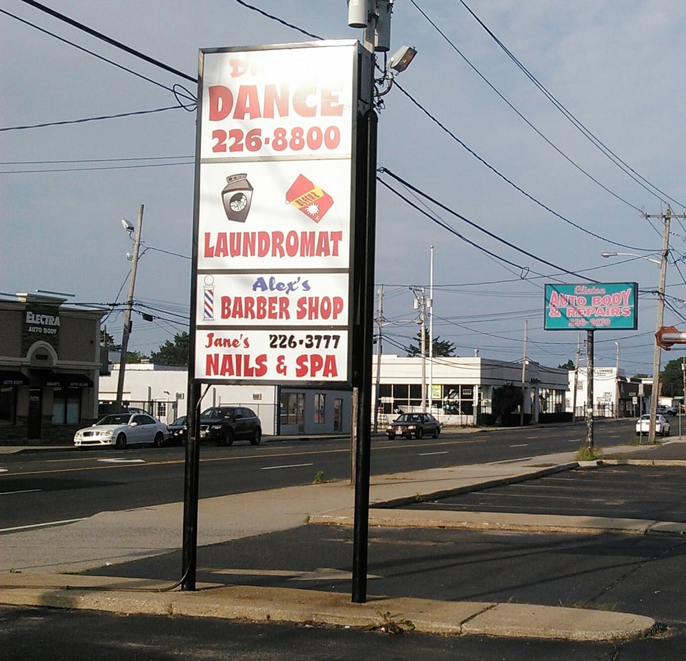 Vinnie's Never Home Laundry: 128 W Montauk Hwy, Lindenhurst, NY