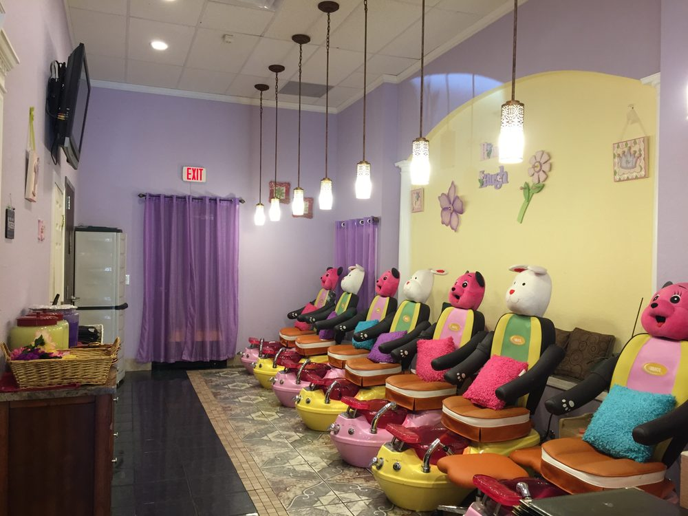 CiCi Nails and Spa