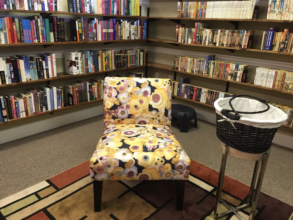 Book Blvd: 502 Wyoming Ave, Wyoming, OH