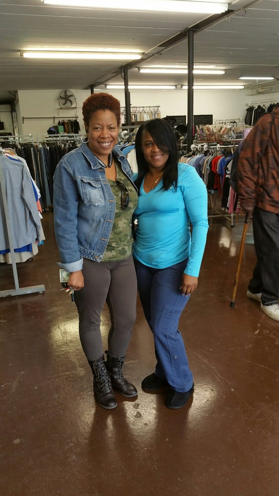 New Treasure Thrift Store: 14526 Halsted St, Harvey, IL