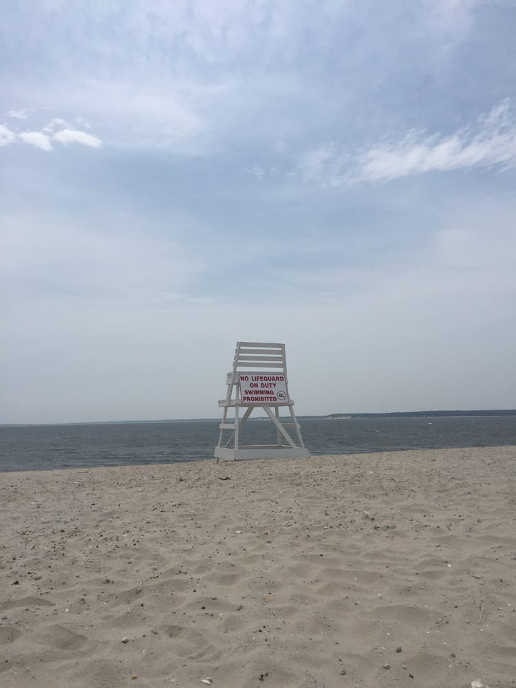 South Jamesport Beach: 43 Poe Ln, Riverhead, NY