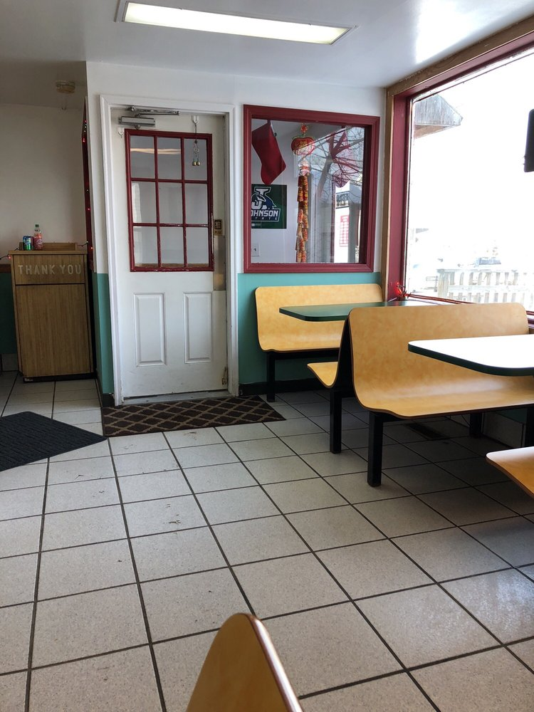 Johnson's Kitchen: 17 Lower Main St W, Johnson, VT