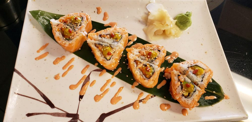 Hamachi Asian Bistro & Sushi: 1440 S Country Club Dr, Mesa, AZ