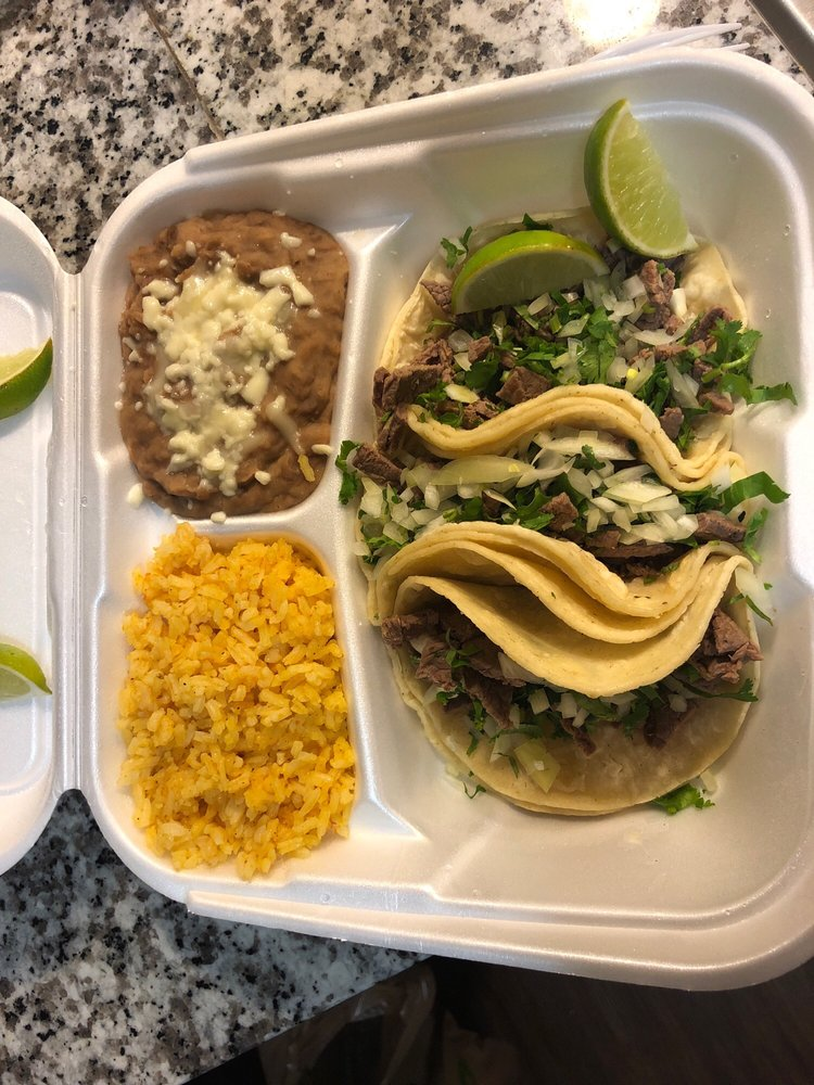 Food from Los tres Dominguez