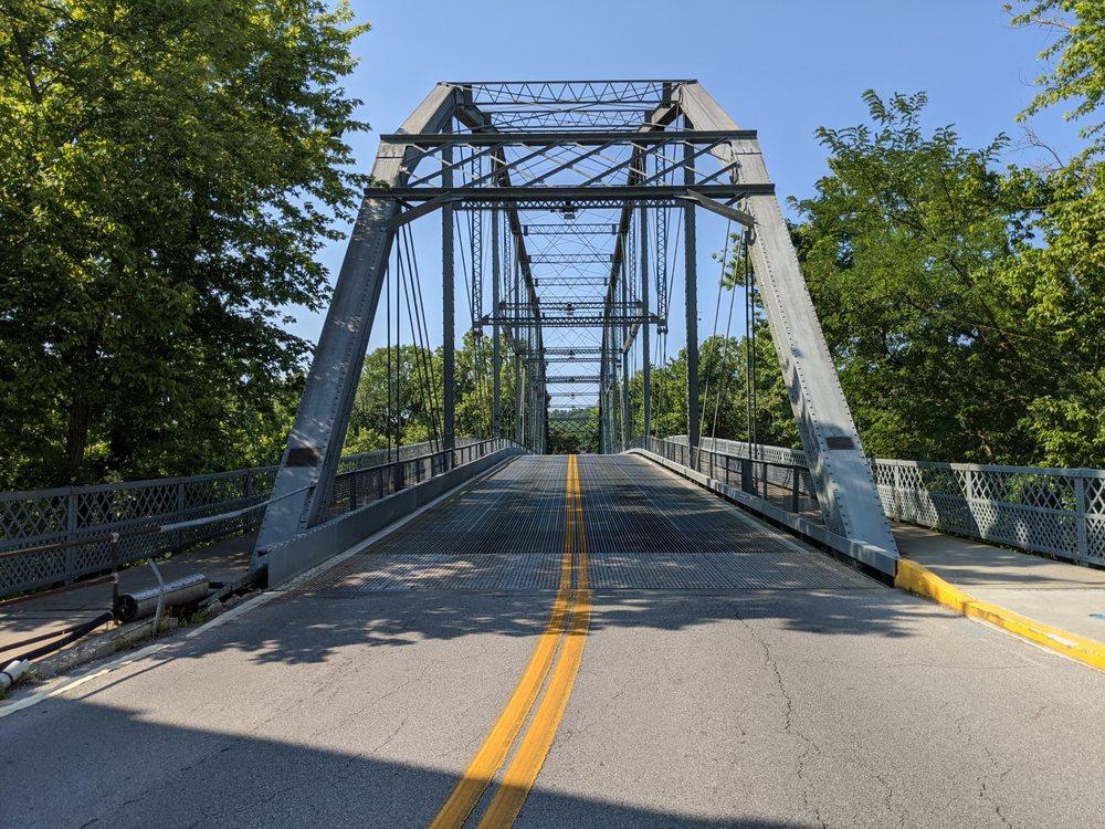 The Singing Bridge: 117 Bridge St, Frankfort, KY