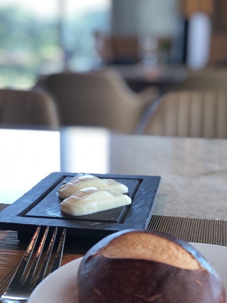 Restaurant 356: 1 Porsche Dr, Atlanta, GA