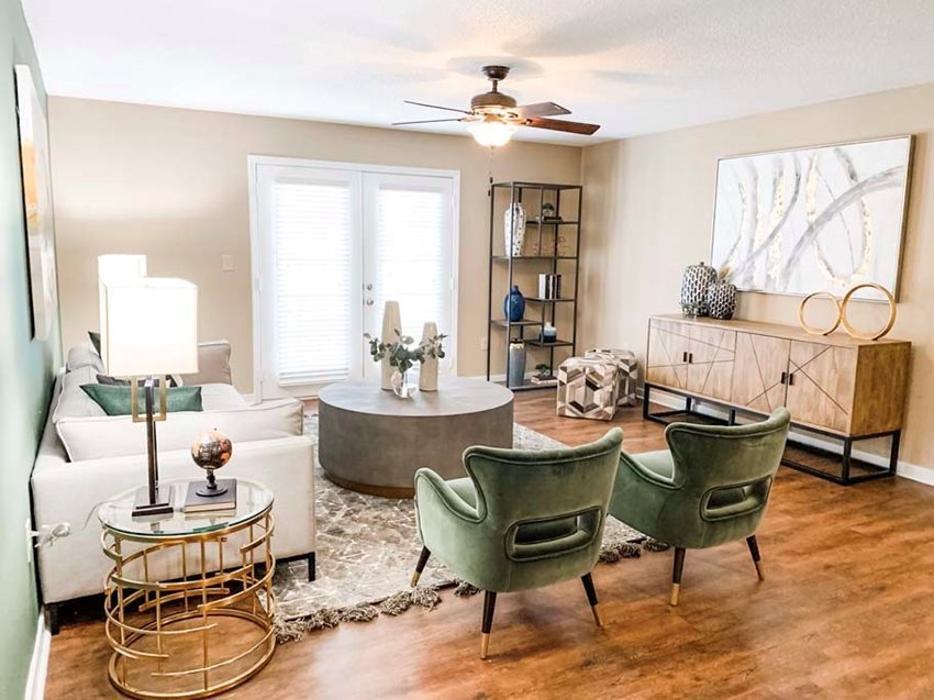 Crossgates Apartments: 1087 Stark Rd, Starkville, MS