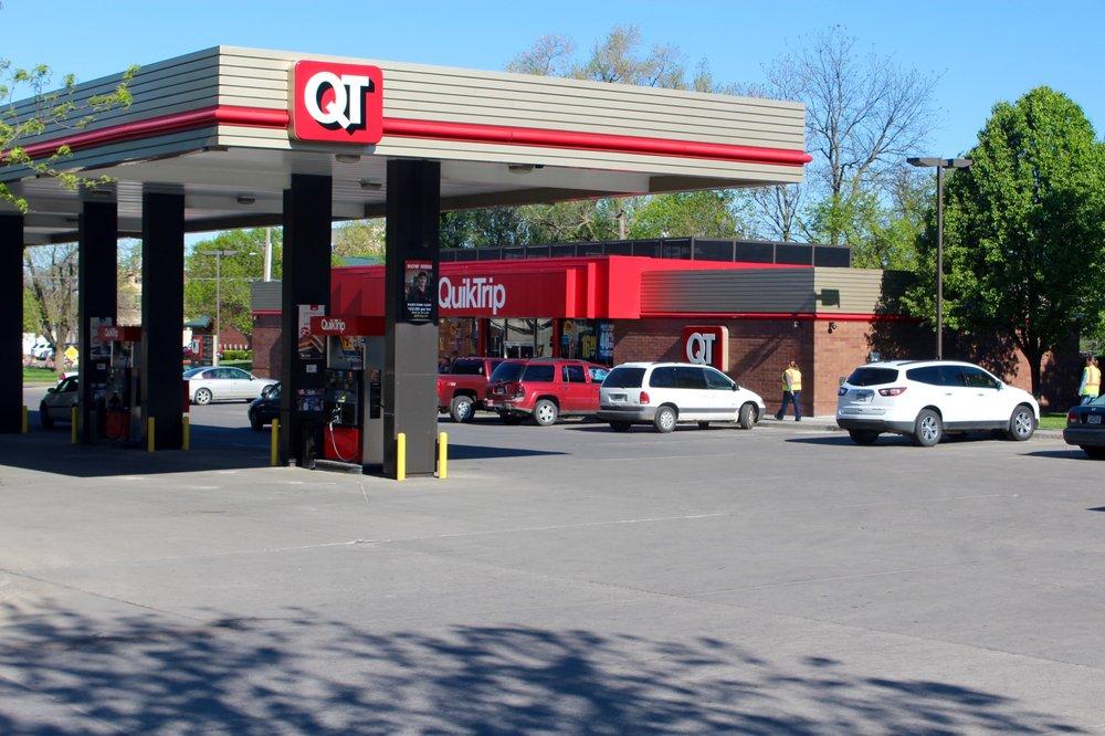 QuikTrip: 3941 SE 14th St, Des Moines, IA