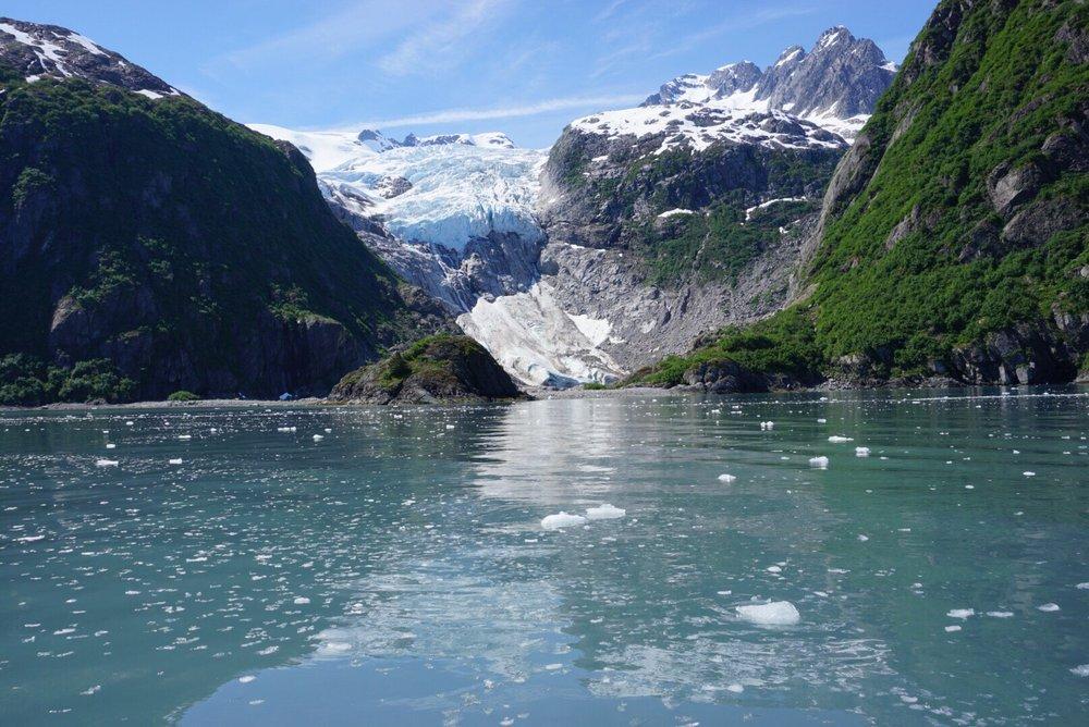 Alaska Saltwater Lodge: 13970 Beach Dr, Seward, AK