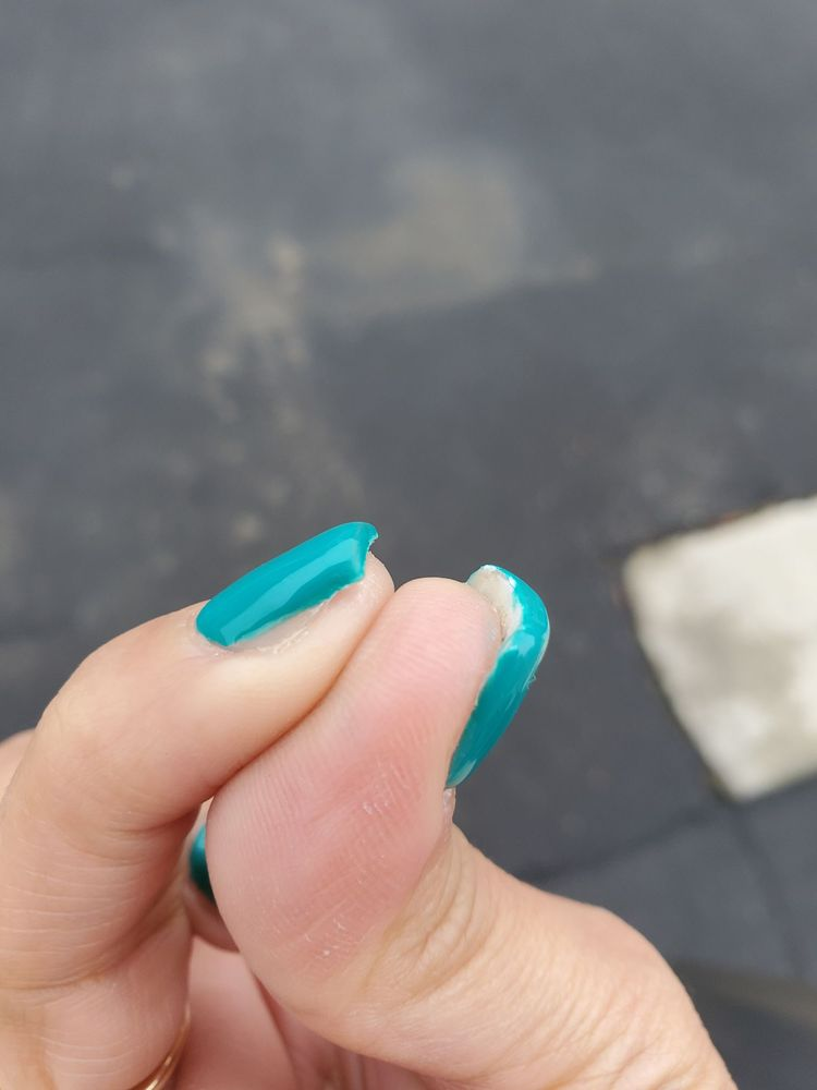Divine Nails & Spa: 2345 Hwy 46, Wasco, CA